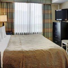 Отель Quality Suites Toronto Airport Канада, Торонто - отзывы, цены и фото номеров - забронировать отель Quality Suites Toronto Airport онлайн комната для гостей фото 2