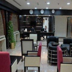 Отель Al Hayat Hotel Suites ОАЭ, Шарджа - отзывы, цены и фото номеров - забронировать отель Al Hayat Hotel Suites онлайн гостиничный бар
