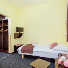 Hotel Brilliant сейф в номере