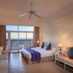 Sanya Golden Phoenix Sea View Hotel комната для гостей фото 3