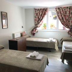Отель Hostal Liwi Испания, Барселона - отзывы, цены и фото номеров - забронировать отель Hostal Liwi онлайн комната для гостей фото 2