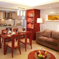 Howard Johnson All Suites Hotel комната для гостей