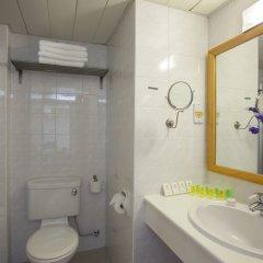 Отель Cavo Maris Beach ванная фото 2