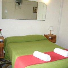 Отель Balmes Centro Hostal Барселона сейф в номере