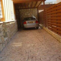 Отель Valentinos Villa Кипр, Протарас - отзывы, цены и фото номеров - забронировать отель Valentinos Villa онлайн парковка