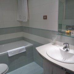 Отель Park Central Болгария, Сливен - отзывы, цены и фото номеров - забронировать отель Park Central онлайн ванная