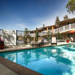 Отель Best Western The Inn Of Los Gatos бассейн