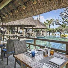 Отель La Pirogue A Sun Resort питание фото 3