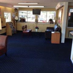 Отель Travelodge Tacoma Near McChord AFB (ex. Whiteroof Inn) США, Такома - отзывы, цены и фото номеров - забронировать отель Travelodge Tacoma Near McChord AFB (ex. Whiteroof Inn) онлайн интерьер отеля фото 3