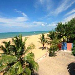 Отель Topaz Beach Шри-Ланка, Негомбо - отзывы, цены и фото номеров - забронировать отель Topaz Beach онлайн пляж фото 2