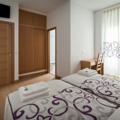 Отель Hostal Carracedo комната для гостей