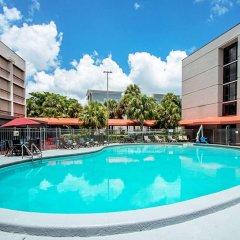 Отель Red Roof Inn PLUS+ Miami Airport бассейн фото 3