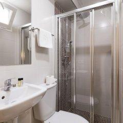 Отель Hostal Roca Испания, Сан-Антони-де-Портмань - 4 отзыва об отеле, цены и фото номеров - забронировать отель Hostal Roca онлайн ванная фото 2