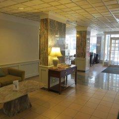 Отель Howard Johnson Hotel Yorkville Канада, Торонто - отзывы, цены и фото номеров - забронировать отель Howard Johnson Hotel Yorkville онлайн интерьер отеля