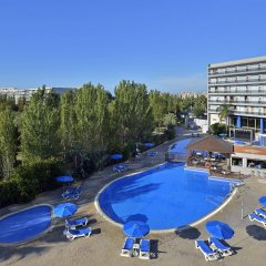 Отель Sol Costa Daurada Salou бассейн