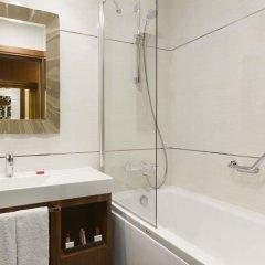 Ramada Hotel & Suites Atakoy Турция, Стамбул - 1 отзыв об отеле, цены и фото номеров - забронировать отель Ramada Hotel & Suites Atakoy онлайн ванная фото 2