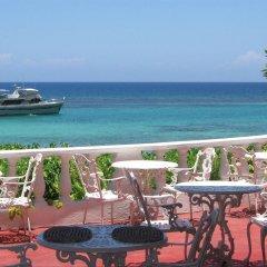 Отель Silver Seas Hotel Ямайка, Очо-Риос - 1 отзыв об отеле, цены и фото номеров - забронировать отель Silver Seas Hotel онлайн балкон