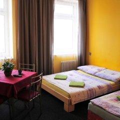 Отель Hostel Alia Чехия, Прага - отзывы, цены и фото номеров - забронировать отель Hostel Alia онлайн комната для гостей фото 3