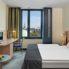 Отель InterCityHotel Hamburg Hauptbahnhof Германия, Гамбург - 1 отзыв об отеле, цены и фото номеров - забронировать отель InterCityHotel Hamburg Hauptbahnhof онлайн комната для гостей фото 5