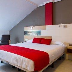 Отель Château La Roca сейф в номере