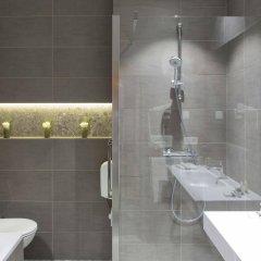 Plaza Hotel Антверпен ванная