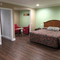 Отель American Inn & Suites LAX Airport комната для гостей
