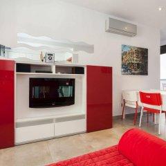 Апартаменты Via Augusta Apartments сейф в номере