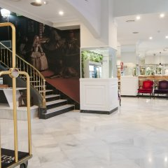 Senator Gran Vía 70 Spa Hotel интерьер отеля фото 3