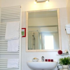 Hotel Villa Del Parco Римини ванная