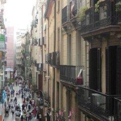 Отель Hostal Fina Испания, Барселона - отзывы, цены и фото номеров - забронировать отель Hostal Fina онлайн балкон