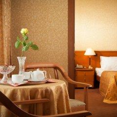 Гостиница Космос 3* Улучшенный люкс с разными типами кроватей