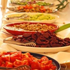 Buyuk Berk Otel Турция, Айвалык - отзывы, цены и фото номеров - забронировать отель Buyuk Berk Otel онлайн питание фото 4