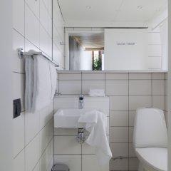 Отель Ohboy Hotell Мальме ванная
