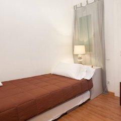 Отель Aptos Alcam Alio Барселона комната для гостей фото 5