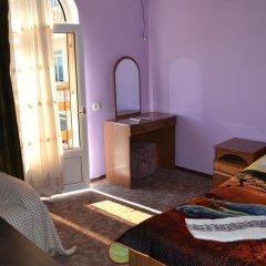 Гостиница Yug Guest House комната для гостей фото 5