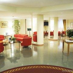 Отель Holiday Inn Milan Linate Airport Пескьера-Борромео интерьер отеля фото 3