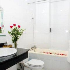 Отель Lucky Hotel Nha Trang Вьетнам, Нячанг - отзывы, цены и фото номеров - забронировать отель Lucky Hotel Nha Trang онлайн ванная