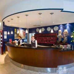 Отель Holiday Inn Düsseldorf - Hafen интерьер отеля