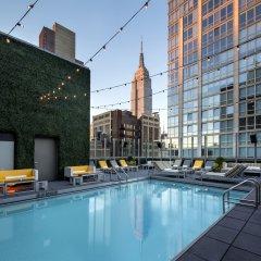 Gansevoort Park Hotel NYC бассейн