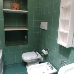 Отель Sacchi Deluxe Apartment Италия, Милан - отзывы, цены и фото номеров - забронировать отель Sacchi Deluxe Apartment онлайн ванная