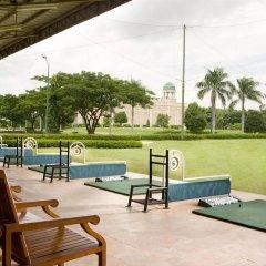 Отель Four Points By Sheraton Surabaya Сурабая спортивное сооружение