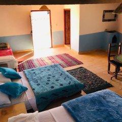 Отель Chez Belkacem Марокко, Мерзуга - отзывы, цены и фото номеров - забронировать отель Chez Belkacem онлайн бассейн