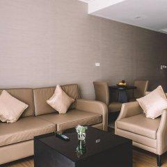 Отель Adelphi Suites Bangkok комната для гостей фото 5