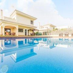 Отель Chalet Loma De Sanctipetri Кониль-де-ла-Фронтера бассейн фото 2