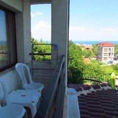 Отель Guest House Dvata Bora Болгария, Генерал-Кантраджиево - отзывы, цены и фото номеров - забронировать отель Guest House Dvata Bora онлайн балкон