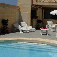 Отель Casa Sammy Мальта, Саннат - отзывы, цены и фото номеров - забронировать отель Casa Sammy онлайн бассейн фото 3