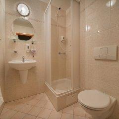 Ea Hotel Elefant Карловы Вары ванная