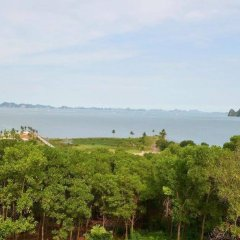 Отель Hoa Binh Ha Long Hotel Вьетнам, Халонг - отзывы, цены и фото номеров - забронировать отель Hoa Binh Ha Long Hotel онлайн пляж
