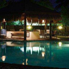 Отель East Winds Inn - Все включено бассейн