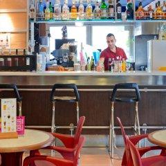 Отель H·TOP Summer Sun гостиничный бар
